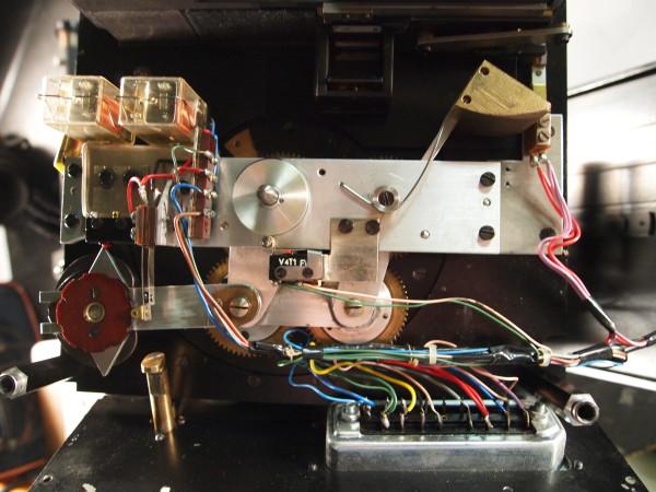 Electro-mechanical shutter system